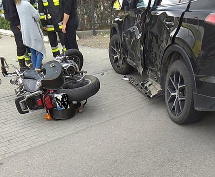 Motocyklista zderzył się z osobówką