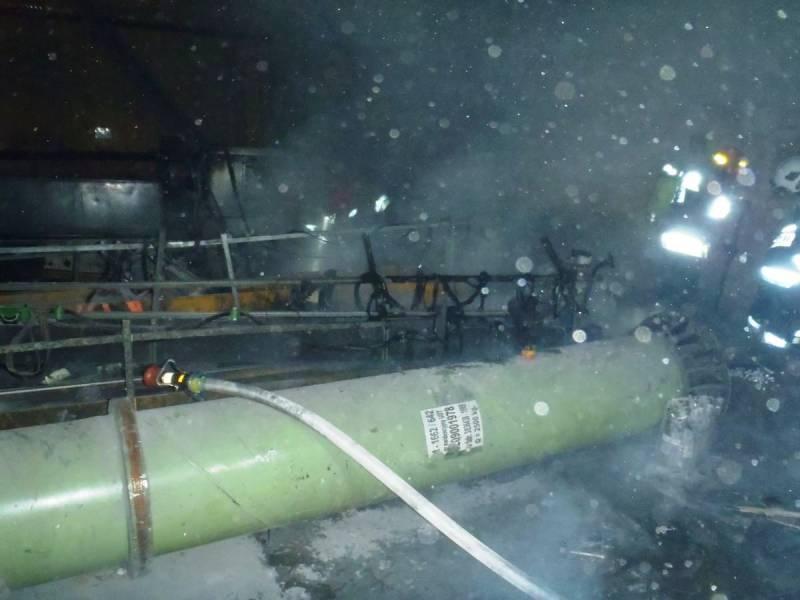 34 strażaków walczyło z ogniem w zakładzie przy Jana Pawła II. Co się stało?