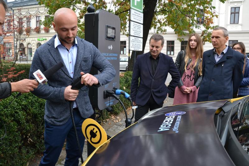 Nowy Sącz: darmowa stacja ładowania pojazdów elektrycznych