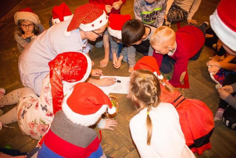 Mikołaj na osiedlu Nawojowska