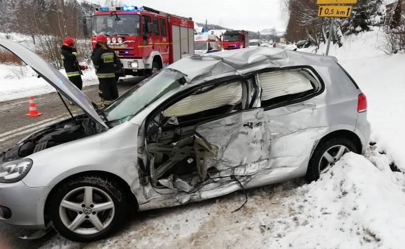 Wypadek w Podolu-Górowej. Uszkodzony Volkswagen