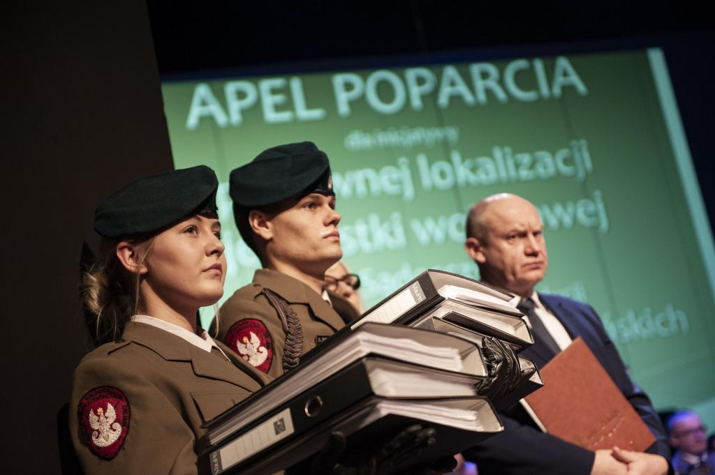 Premier Beata Szydło wsparła powrót na Sądecczyznę jednostki wojskowej