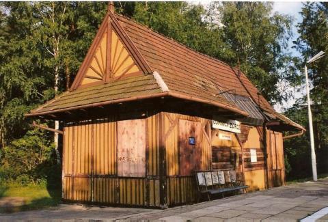 PKP zrekonstruuje drewniany dworzec w Łomnicy-Zdrój!