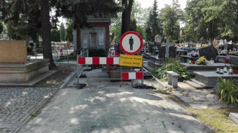 Remont alejki na cmentarzu komunalnym