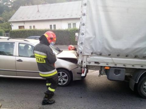 Nowy Sącz: Kraksa na ul. Tarnowskiej. Zderzyły się aż trzy samochody