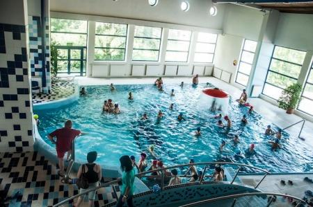 Nowy Sącz: To żenujące! Mega zniżki dla basenie, ale tylko dla wybranych rodzin?