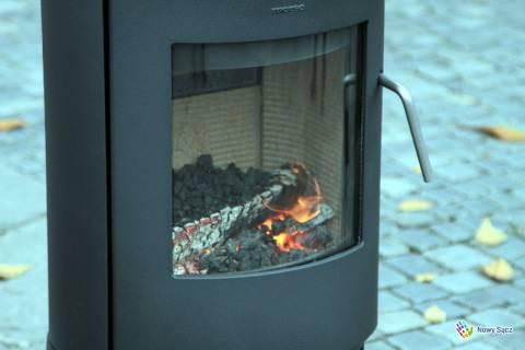 Poseł Czerwiński: Miasto powinno inwestować w piece, które uniemożliwiają palenie śmieci