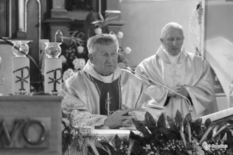 Zmarł ks. Józef Atłas. Przez 28 lat był proboszczem sądeckiej parafii