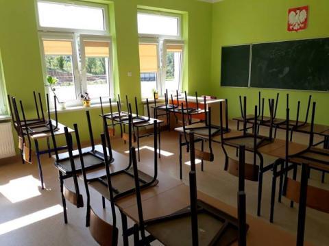 Szkoła w Siennej jak nowa. W remoncie pomogli rodzice