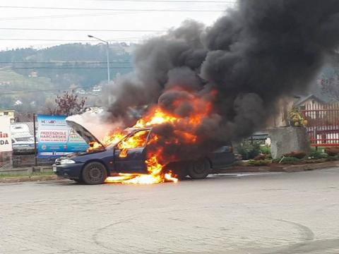 Pożar auta na ul. Piłsudskiego
