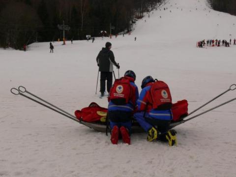 Goprowcy zwozili połamańców ze stoków narciarskich