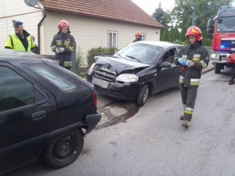 Nowy Sącz: Kraksa na ul. Węgierskiej. Jedna osoba trafiła do szpitala.