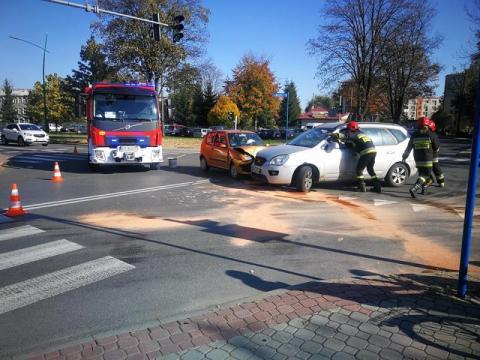 Z ostatniej chwili: kraksa na ul. Barskiej. Zderzyły się dwa samochody