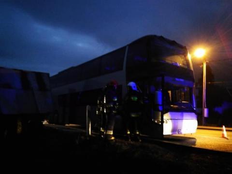Mszana Dolna: autobus przewożący dzieci stanął w ogniu