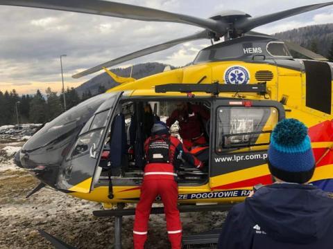 Tragiczny wypadek na stoku narciarskim w Limanowej. W akcji śmigłowiec LPR
