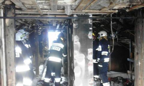 Pożar domu w Piątkowej. Mężczyzna wisiał siedem mertów nad ziemią oczekując na pomoc