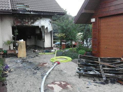 Pożar w Biczycach Dolnych. Rodzina musiała uciekać z płonącego domu