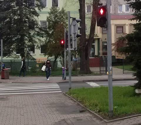 Nowy Sącz: Kto przeklina skrzyżowanie Grodzka - Aleje? Piesi zapuszczają tu korzenie