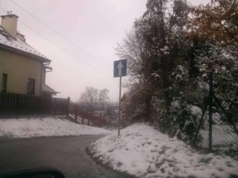 Nowy Sącz: Kiedy będzie prawdziwa zima? Jak zamkną ten zjazd na Wólki [FILM]