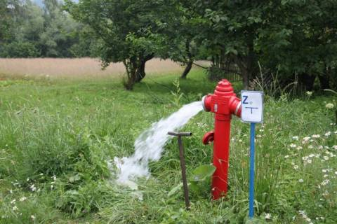 wodociąg w Tropiu