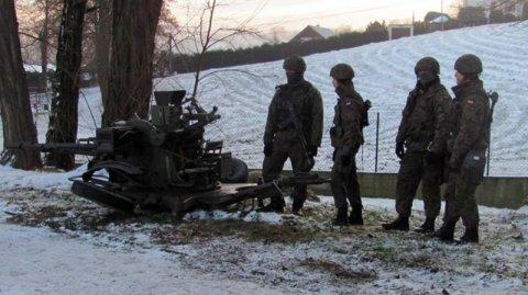 Dlaczego w Marcinkowicach nagle zaroiło się od wojska?