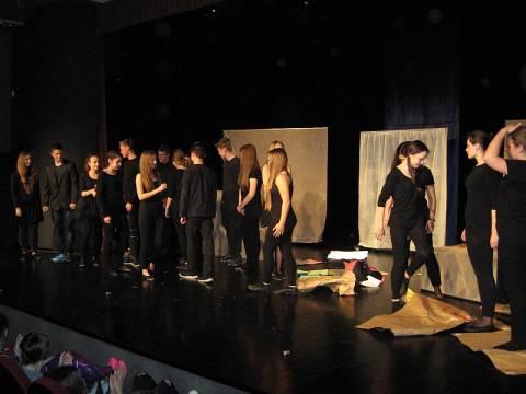 Młodzieżowe Poniedziałki Teatralne