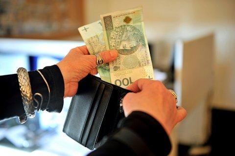 Ile wynosi pensja minimalna