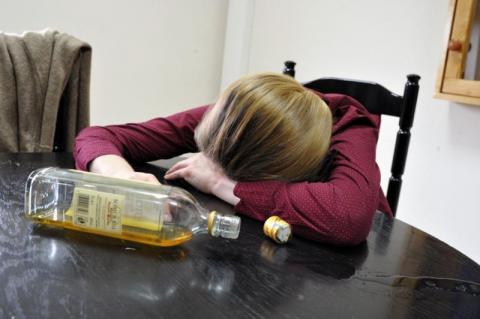 Były na dnie, teraz próbują się z niego wydostać Wstrząsające wyznania sądeckich alkoholiczek