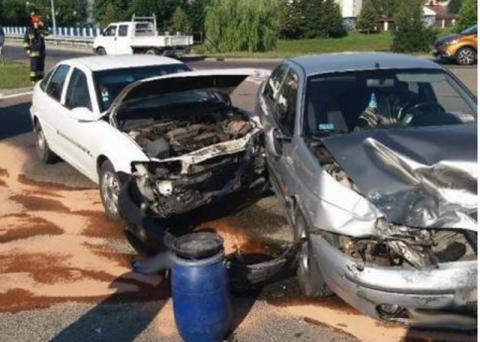 Zmasakrowała mu auto, potem razem trafili do szpitala