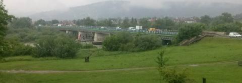 Gorączka heleńska trwa. Jak długo most będzie służył pieszym?
