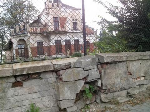 Nowy Sącz: ten mur się po prostu wali a z nim historia naszego miasta...