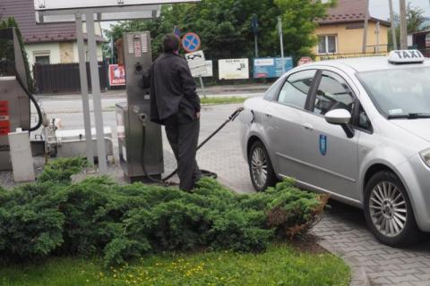 No nie! Diesel droższy od benzyny. Kto stawia ceny na głowie? W Nowym Sączu też