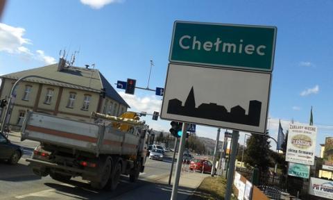 Rząd oficjalnie ogłosił: Chełmiec nie będzie miastem a wójt Stawiarski podnosi larum, że gminę wchłonie Nowy Sącz