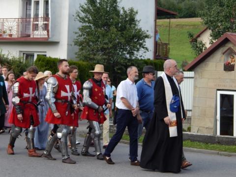Jamnica: Wyruszyli w drogę krzyżową, aby modlić się o trzeźwość