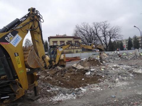 Rozbiórka starego dworca autobusowego MPK w Nowym Sączu