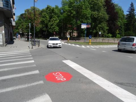 Nowy znak na skrzyżowaniu ul. Mickiewicza i Jagiellońskiej