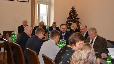 Chełmiec: Dlaczego troje radnych nie poparło budżetu? Ostrogorzkie wyjaśnienia