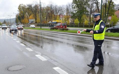 Policjanci podsumowali akcję Znicz: mniej wypadków i kolizji, ale więcej rannych