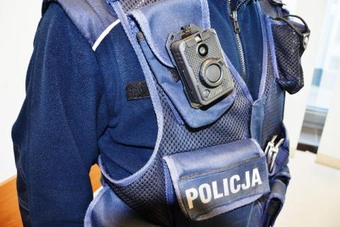 Sądeccy policjanci od dzisiaj mają kamery przy mundurach