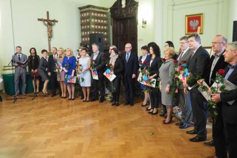 Nowosądeccy nauczyciele, nagrodzeni podczas obchodów tegorocznego Dnia Edukacji Narodowej