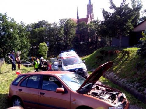 Grybów: Zając roztrzaskał Nissana. Kobieta trafiła do szpitala