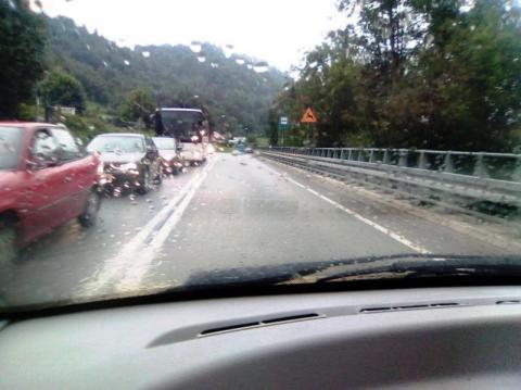 Dlaczego kierowców na drodze do Piwniczne szlag trafia?