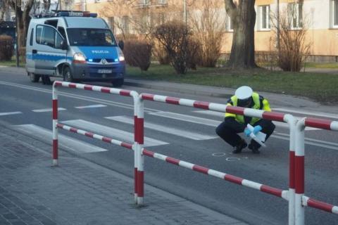 Samochód potrącił pieszego na pasach. Widziałeś ten wypadek? Zgłoś się na policj