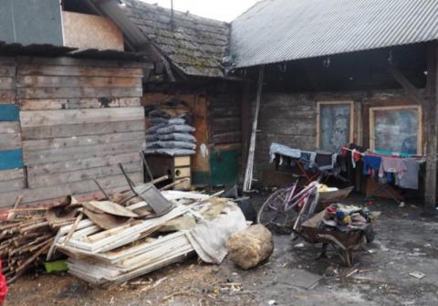 Zadyma o nowy dom dla Romów i straszenie prokuratorem