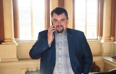 Dlaczego Patryk Wicher chce zamienić radę miasta na sejmik wojewódzki