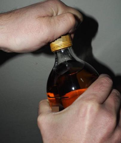 Pijany kierowca chciał zwiać policjantowi. Ten zatrzymał go po godzinach