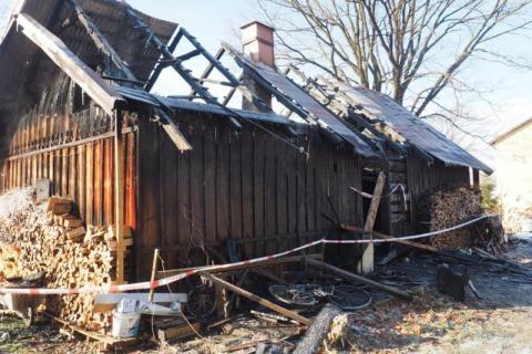 Kiedy wybiegł z palącego się domu płonął jak żywa pochodnia