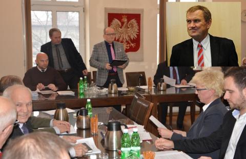 Chełmiec /Radny Lebdowicz: To wójt zarządził podwyżki i wprowadził abonament za ścieki