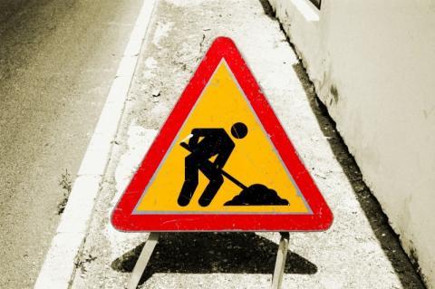 Stary Sącz: ręce opadają, 170 metrów chodnika a problem jak z autostradą