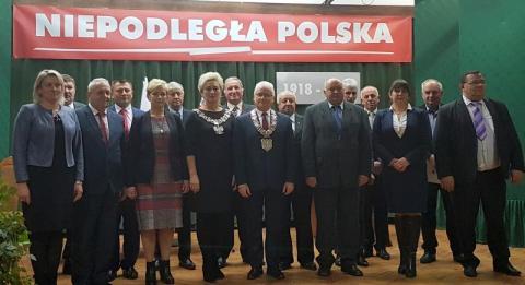 Czchów: Ludzie burmistrza obsadzili całe prezydium rady